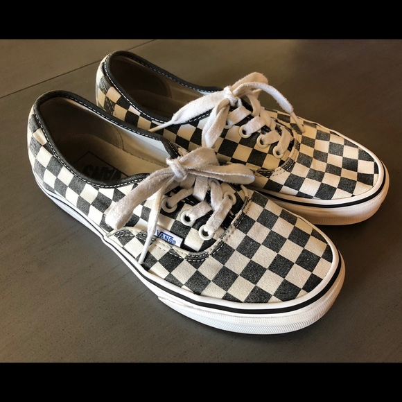 e215947b8b3 Vans Checkerboard Black White Size 7.5 Women s. M 5b4fe53234e48aaffe8eaf43